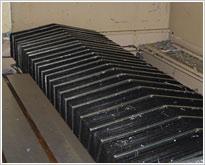 Horizontal slideaway concertina cover